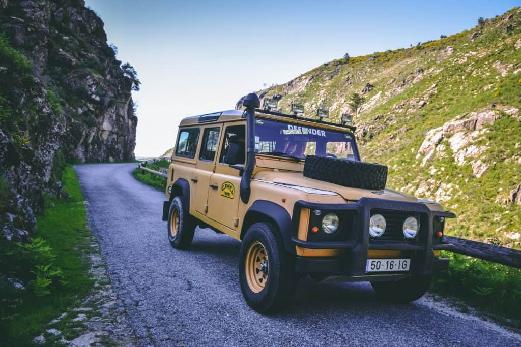Land Rover Defender no Gerês